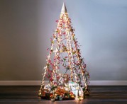 http-::inthralld.com:2012:12:15-fantastic-alternative-christmas-tree-ideas:1