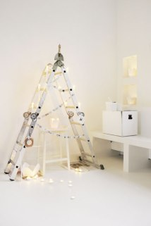 Unique-Christmas-Tree-Decorations-13-ladder-as-christmas-tree