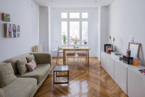 Um apartamento simples mas cheio de amor em madri - Ideas amueblar salon ...