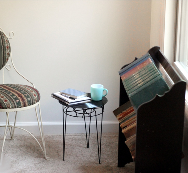 upcycled-record-side-table