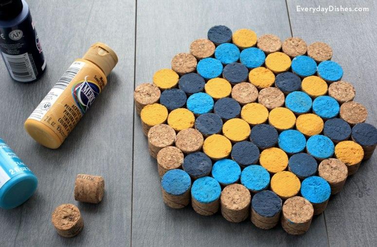 1438792923-wine-cork-trivet-everydaydishes-com-h