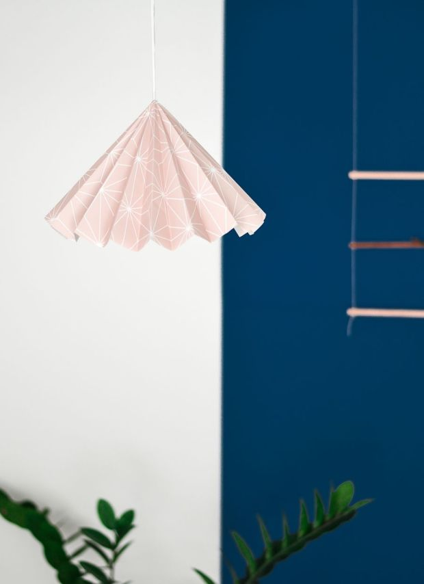 Wallpaper-into-a-lampshade